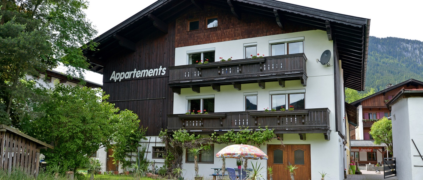 ferienwohnung-appartement-goldberger-soell-dorf-121-barbara-goldberger-haus-sommer